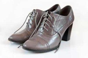 Damen-Schnürschuhe mit Absatz