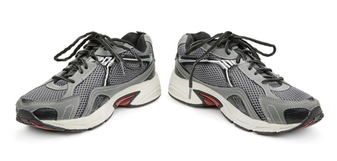Typische Laufschuhe für Herren