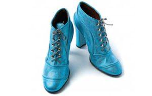 Schnürpumps sind beliebte Damenschuhe