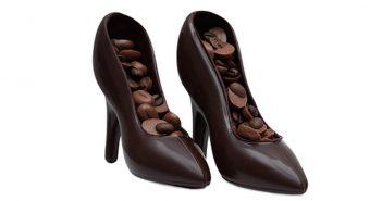 Süße Schuhe aus Schokolade – so peppen Sie Geschenkgutscheine auf!